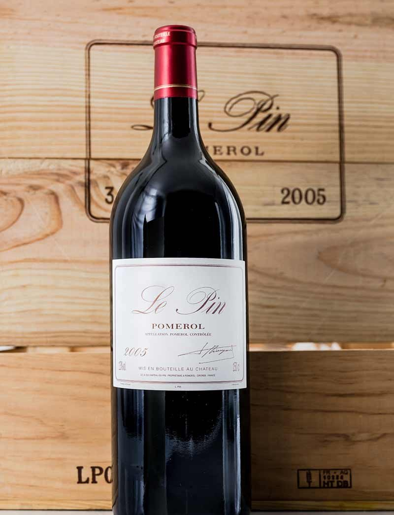 Lot 985: 6 magnums  2005 Chateau Le Pin in OWCs